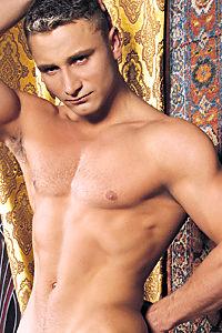 male muscle gay porn star Victor Antoni | hotmusclefucker.com