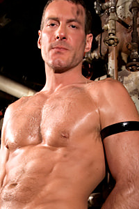 male muscle gay porn star Cliff Rhodes | hotmusclefucker.com