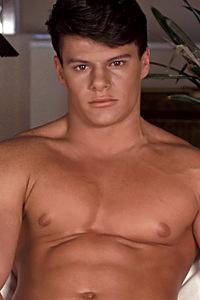 male muscle gay porn star Derek Cruise | hotmusclefucker.com