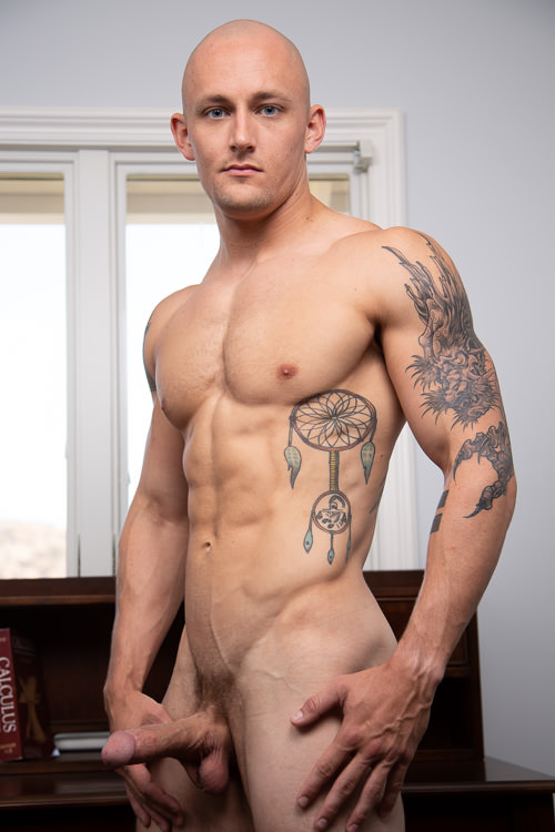 male muscle gay porn star Trevor Laster | hotmusclefucker.com