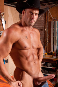 male muscle gay porn star Erik Rhodes | hotmusclefucker.com