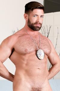male muscle gay porn star Bruce Beckham | hotmusclefucker.com