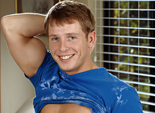 gay muscle porn clip: Tommy D Do Himself In Front Of The Mirror - Tommy D, on hotmusclefucker.com