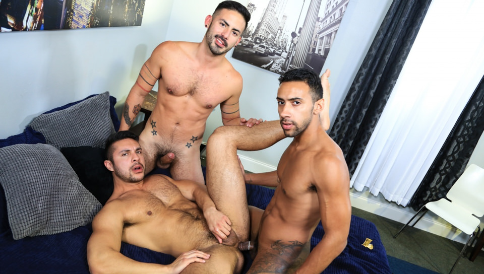 Sorpresa Big Dick Trio – Seth Santoro, Jay Alexander, Cesar Rossi (ExtraBigDicks.com)