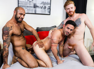gay muscle porn clip: Power Switch - Bennett Anthony & Cesar Rossi & Leo Forte, on hotmusclefucker.com