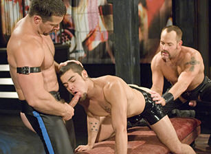 gay muscle porn clip: Verboten 2 - Dominic Sol & Matthew Ford & Vinnie D'Angelo, on hotmusclefucker.com